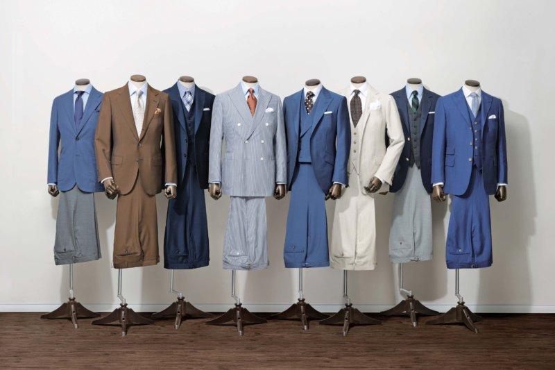 様々な色のスーツ