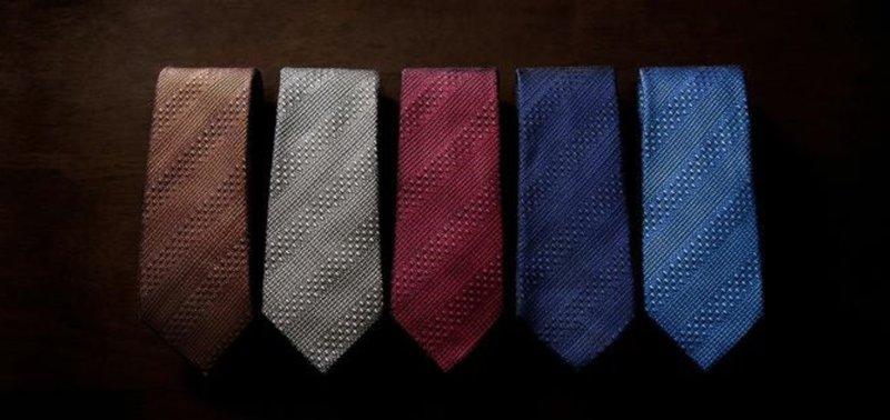 スーツ ネクタイ 色