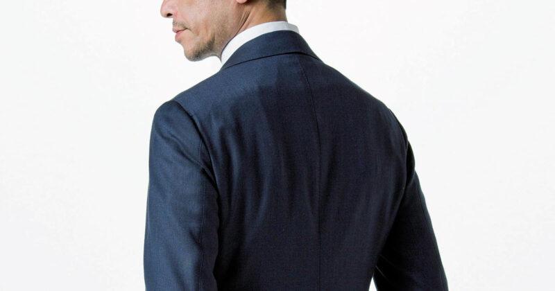 スーツ 後ろ姿 ベント